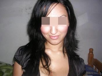 Algérienne sexy désire de sexes énormes à sucer sur Niort