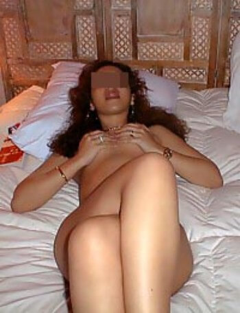 Assez jolie femme qui désirerait une queue bien grosse à pomper sur Tarbes